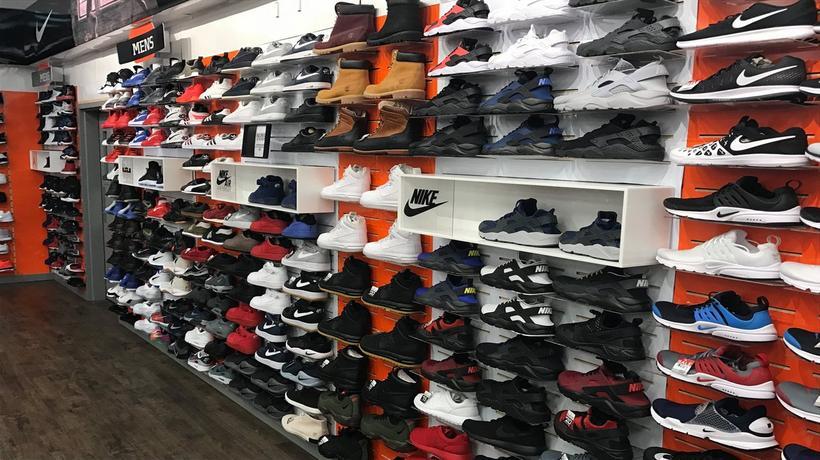 Sneakers   Sporting Goods in Davenport ae716fa67ec