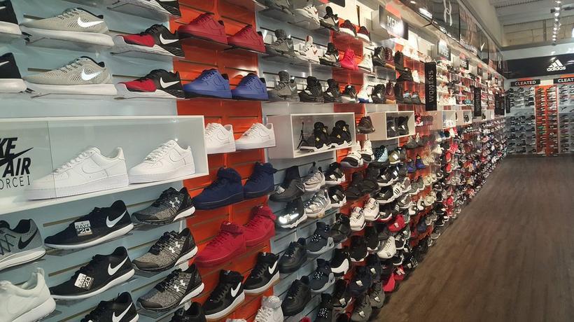 low priced f5476 02a17 Sneakers & Sporting Goods in Leavenworth, KS