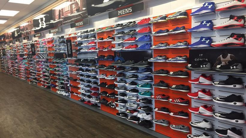 stores in worthington mn