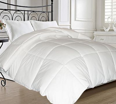Classic Microfiber Natural Feather Down and Fiber Blend Comforter