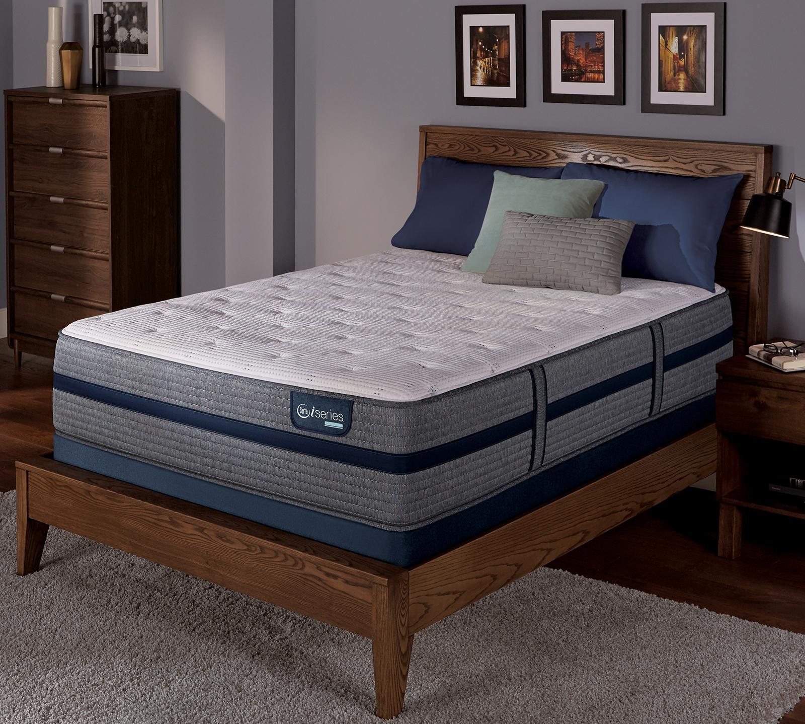 iSeries Hybrid 300 13.5 Inch Plush Mattress