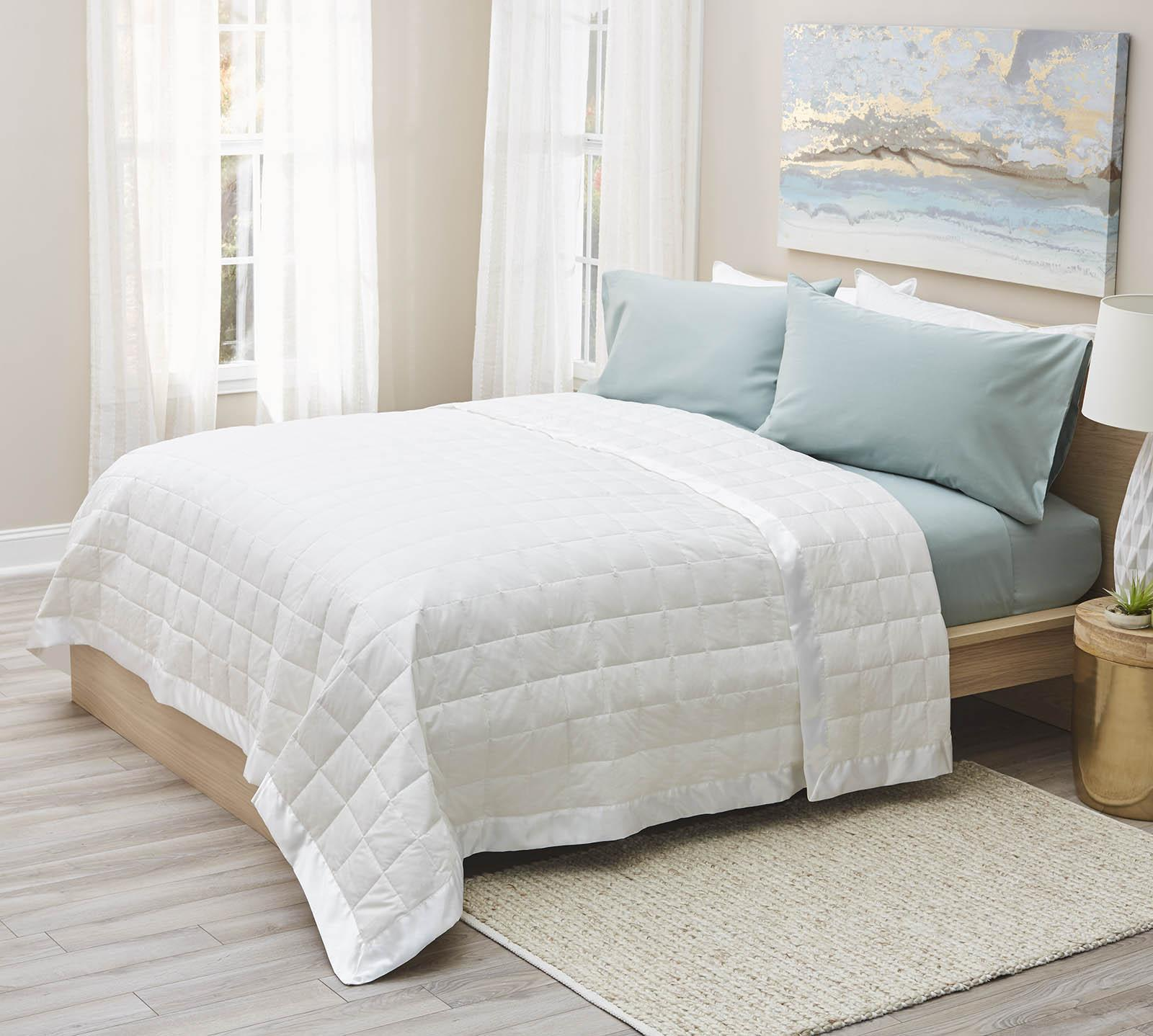 Lux Living Naturals King Lightweight White Oversized Down Filled Blanket