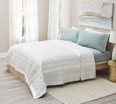 Lightweight White Oversized Down Filled Blanket