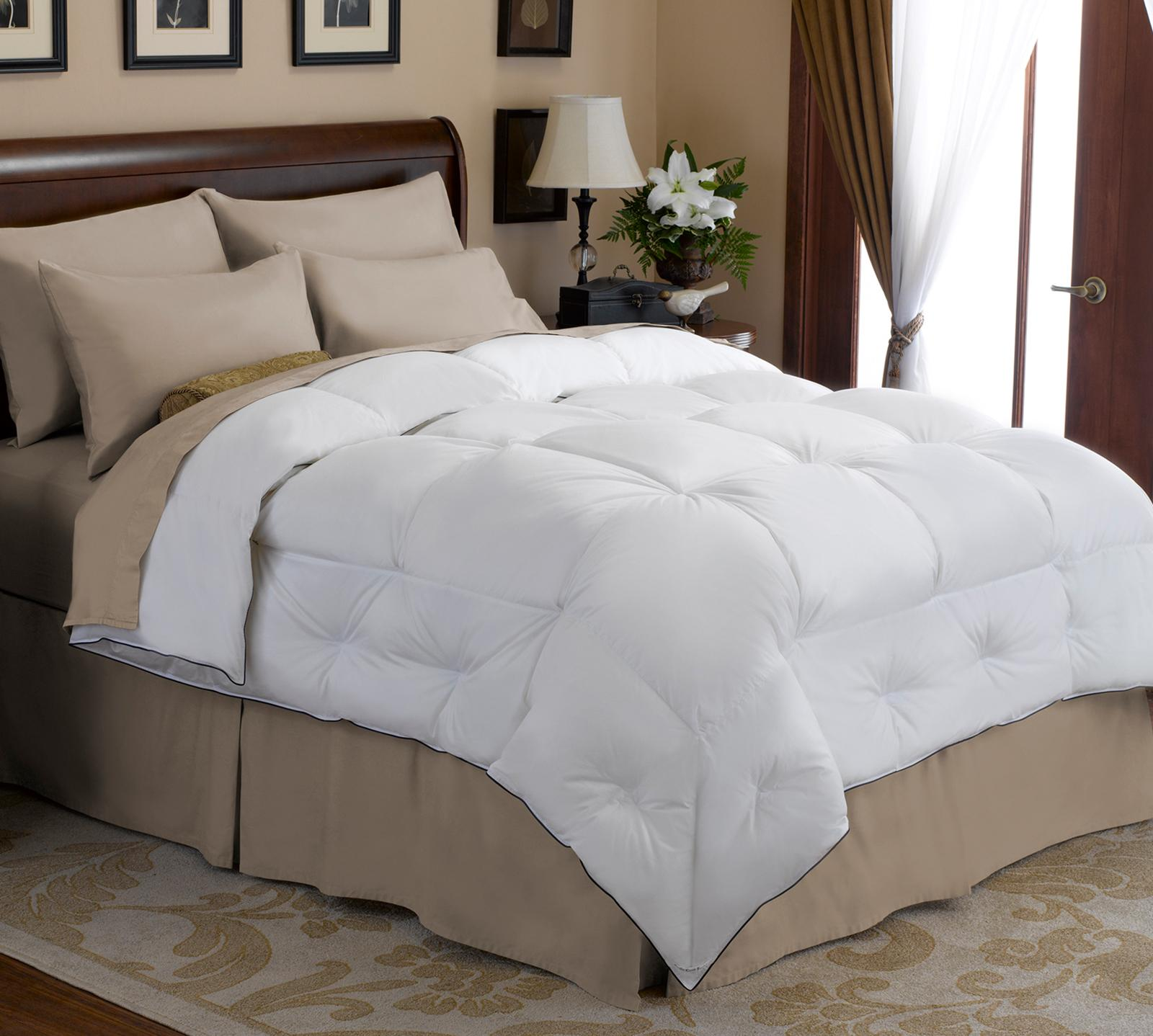 Pacific Coast Feather Full/Queen Super Loft Comforter