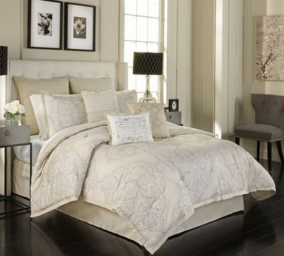 Pemberly Comforter Set