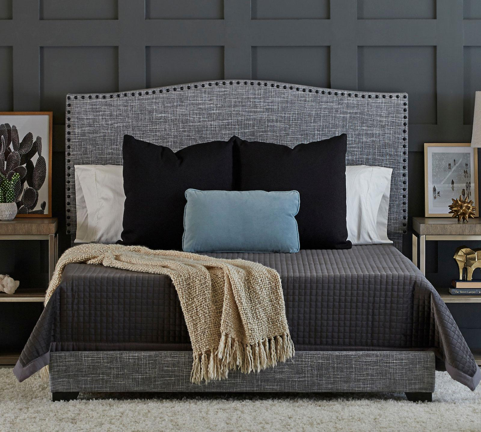 Klaussner Queen Arianna Upholstered Bed