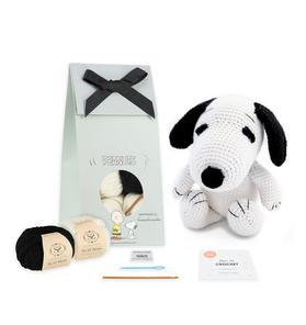 Stitch And Story PEANUTS™ Snoopy Crochet Kit