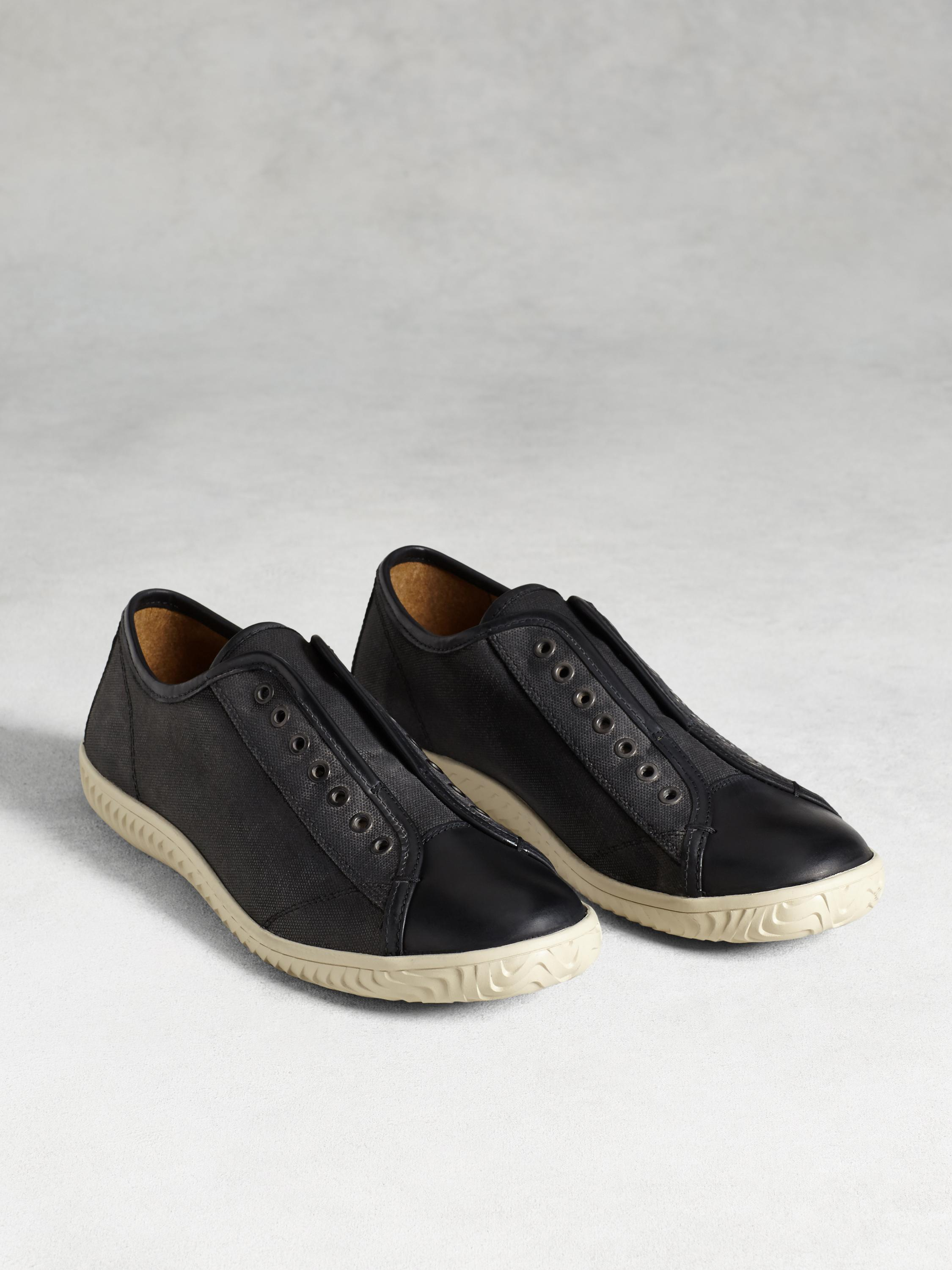 Hattan Laceless Low Top