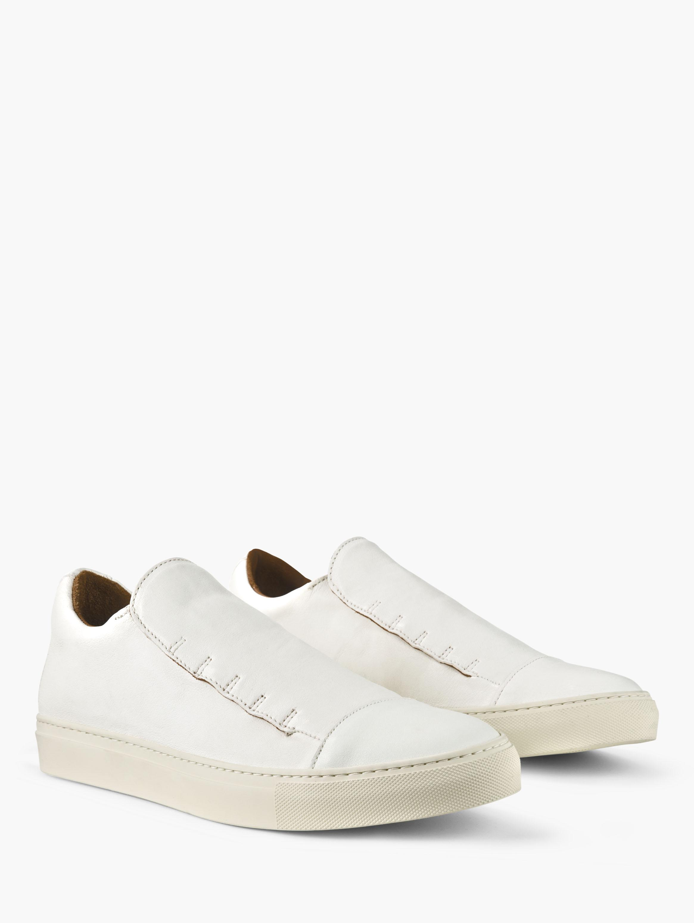 REED LACELESS LOW TOP SNEAKER