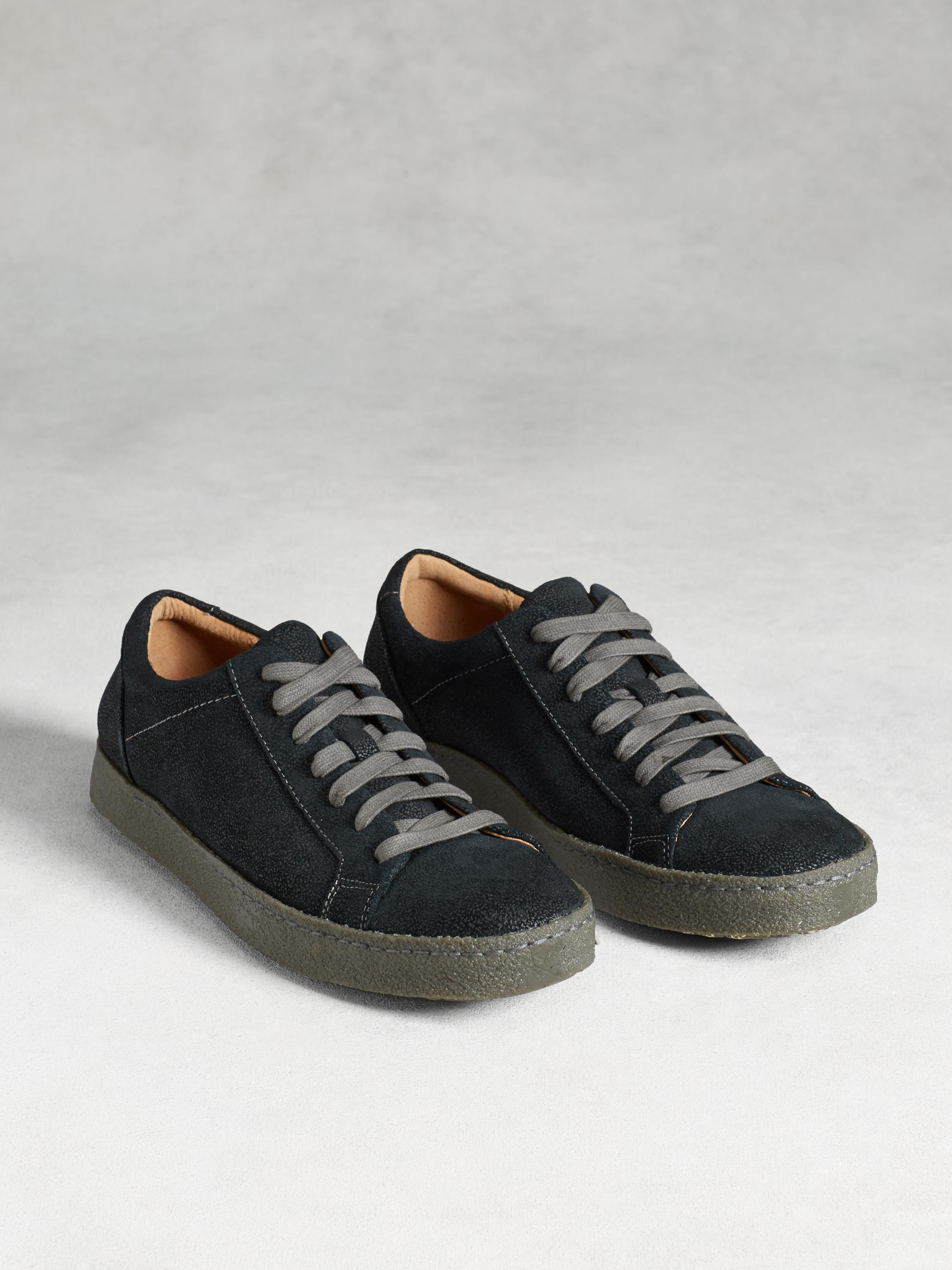 Mick Crepe Low Top Sneaker