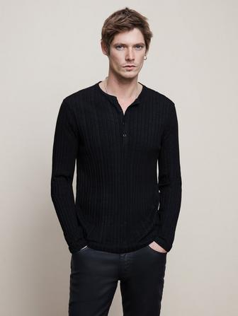 REGULAR FIT LS HENLEY W/ PLEATED TEXTURE