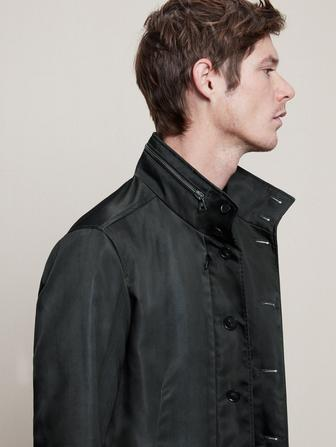 BUTTON CLOSURE COAT WITH ZIP POCKETS