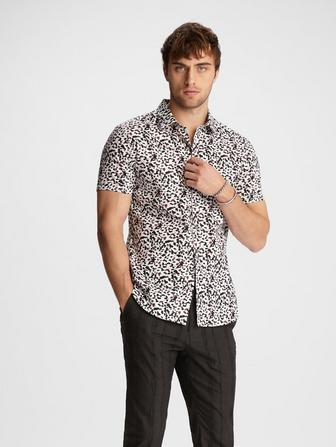 CLASSIC FIT SHORT SLEEVE SHIRT WITH ROUNDED COLLAR