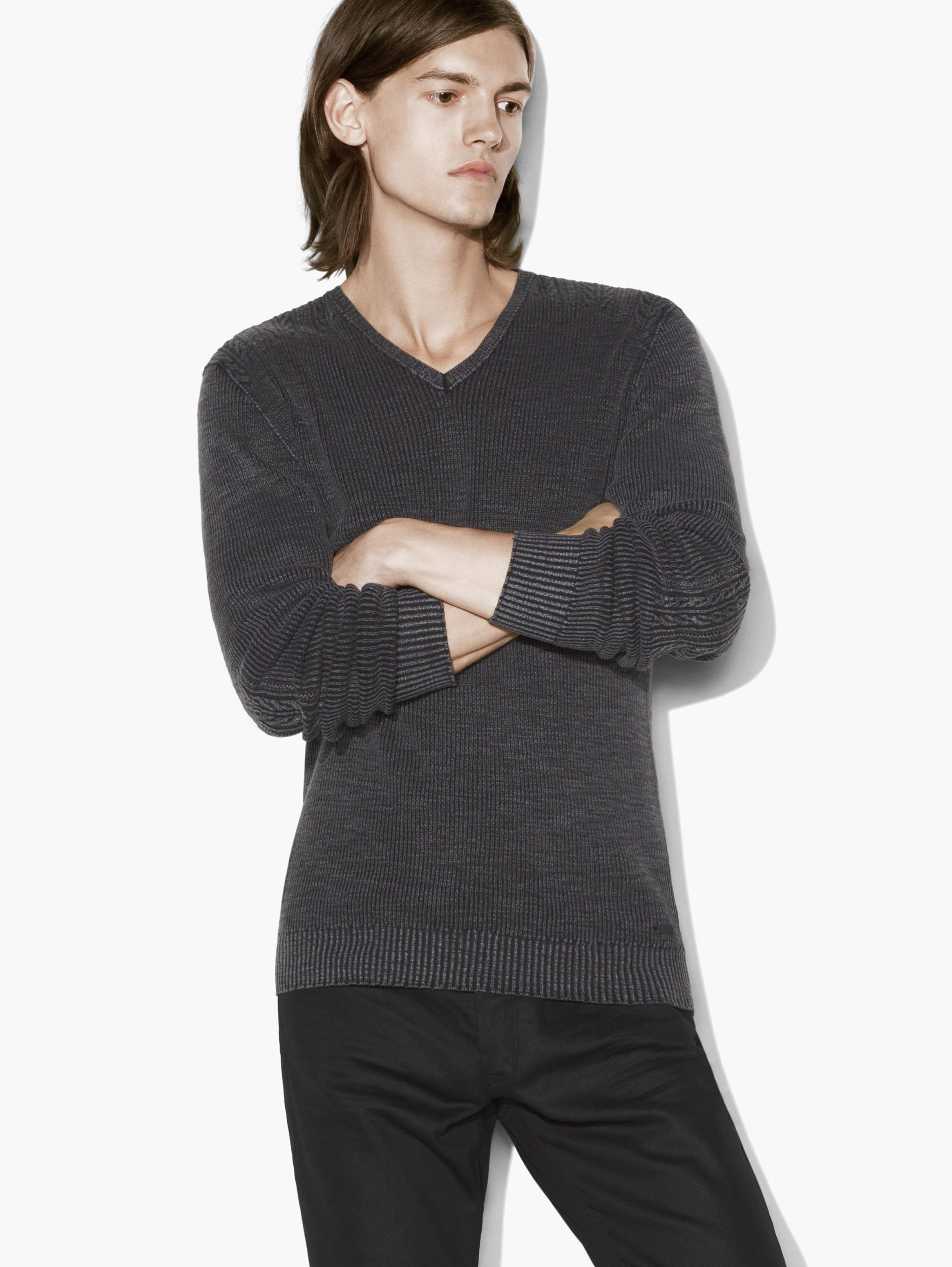 CABLE DETAILED V-NECK SWEATER