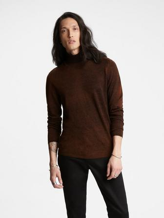 ARTISAN TURTLE NECK SWEATER
