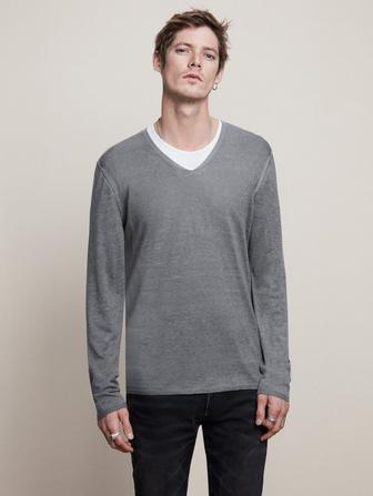 LONG SLEEVE V-NECK WITH REVERSE PRINT