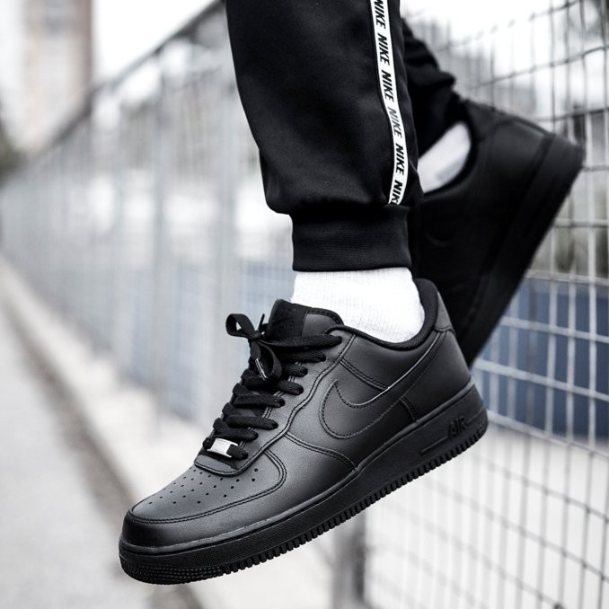 nike air force 1 nero