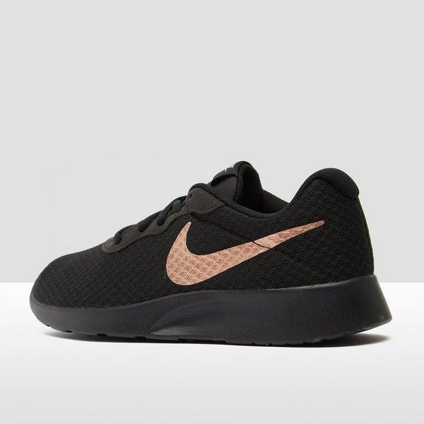Sneakers Dames Aktiesport Zwartgoud Tanjun Nike 75zwYxqz