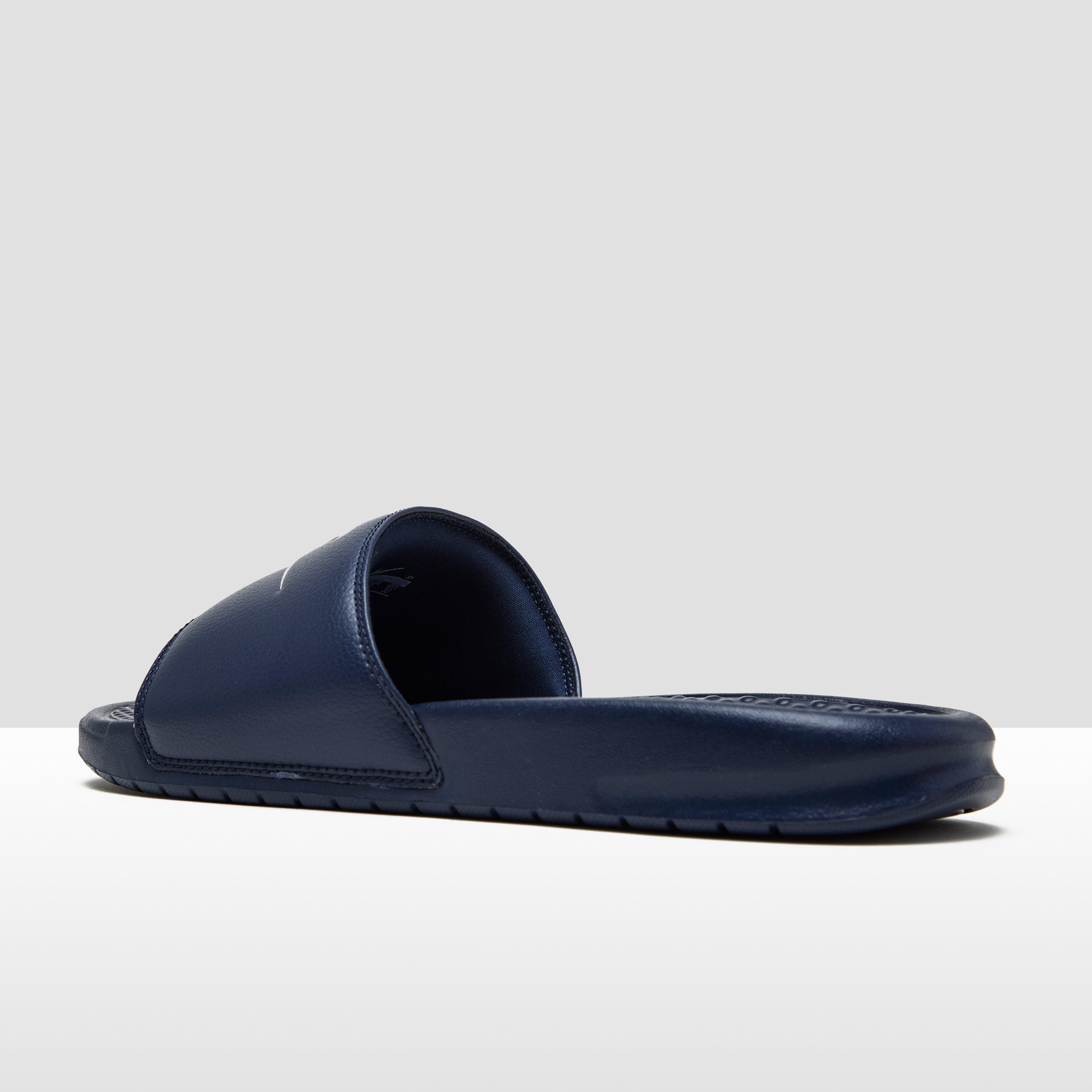 Benassi Chaussures Bleu Nike À 49,5 Pour Les Hommes