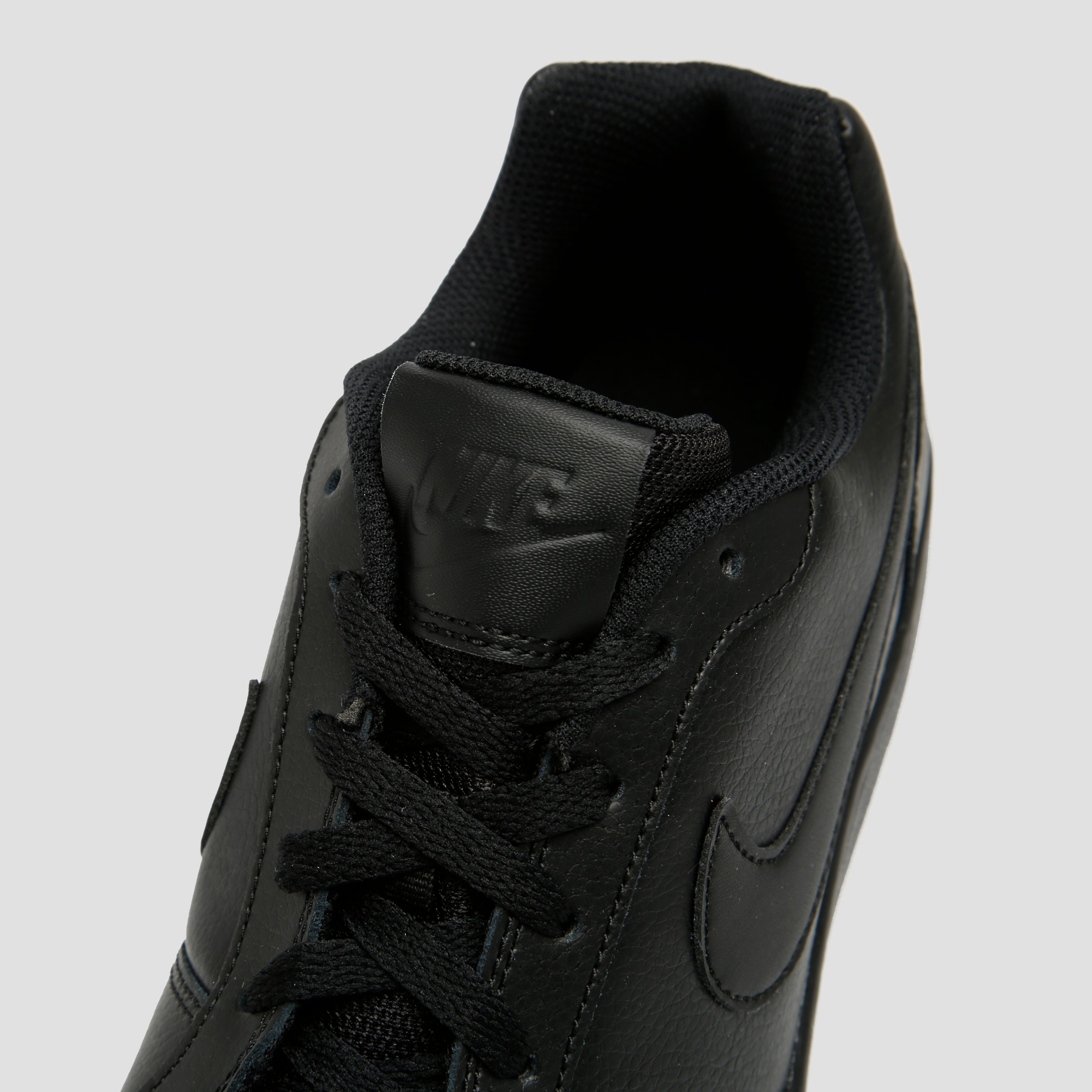 NIKE EBERNON LOW SNEAKERS ZWART HEREN