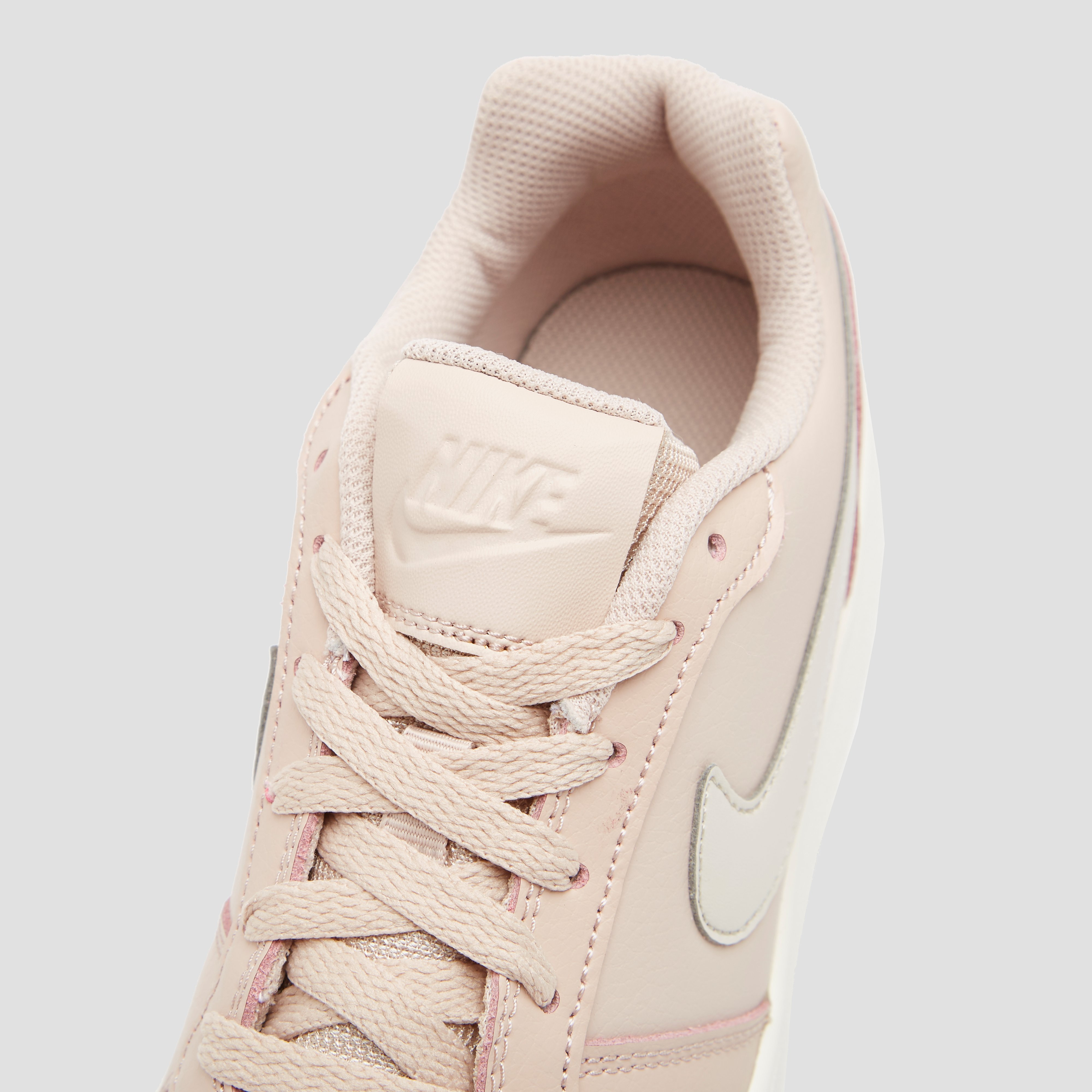 NIKE EBERNON SNEAKERS LOW ROZE DAMES