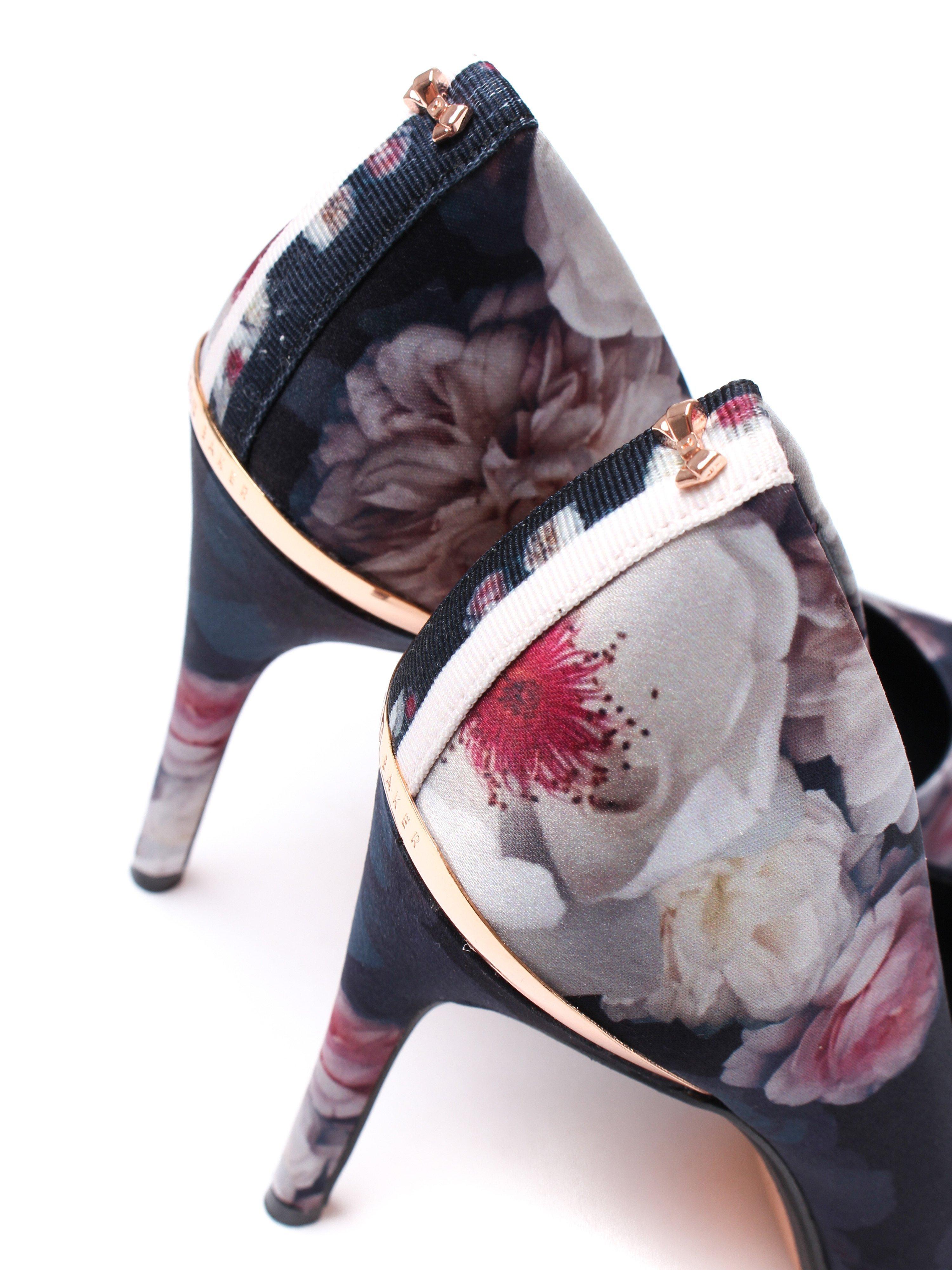 Ted Baker Women's Kawaap Pointed Court Shoes - Black Chelsea