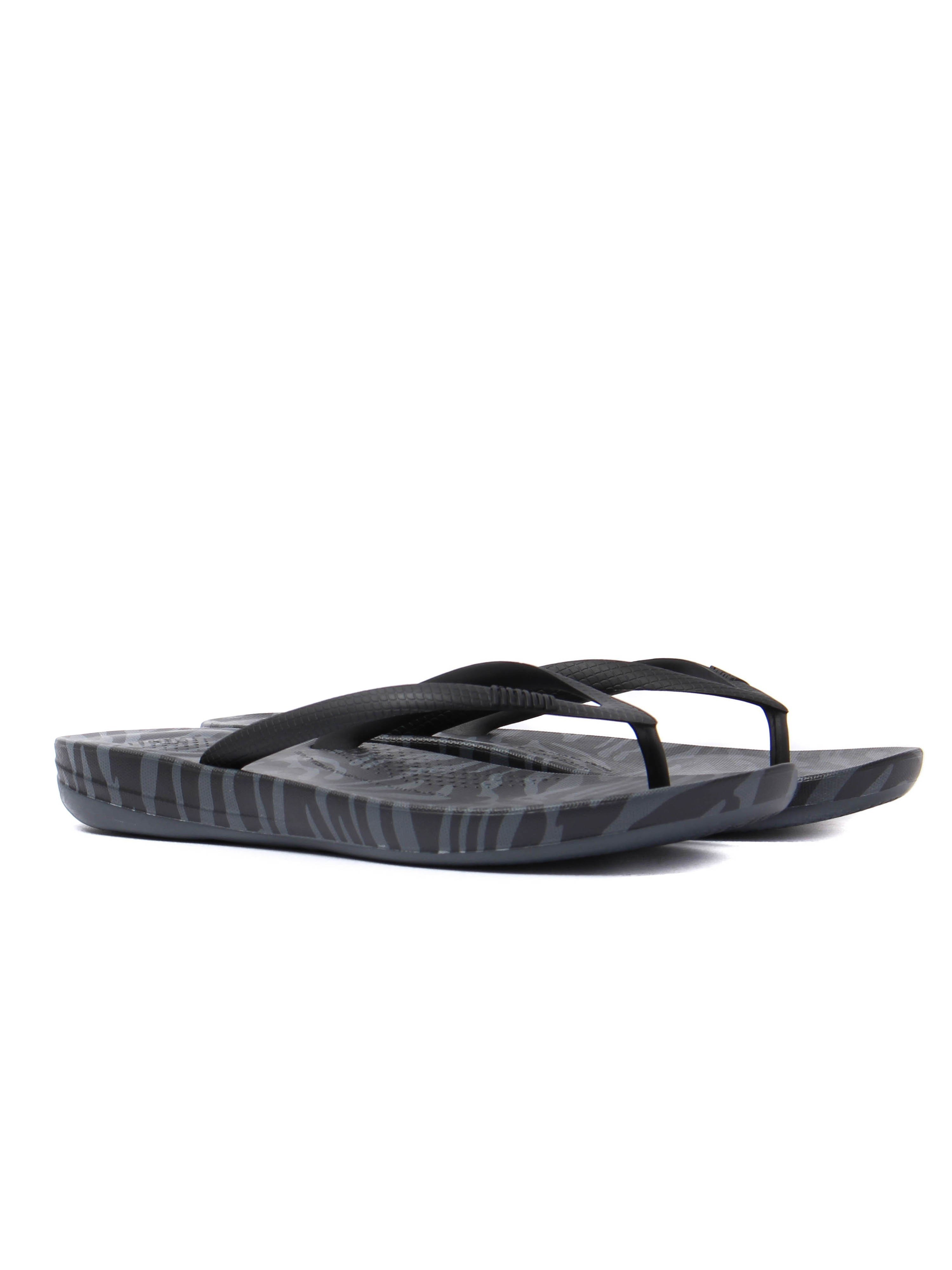 FitFlop Women's IQushion Ergonomic Flip Flops - Charcoal Tiger Print