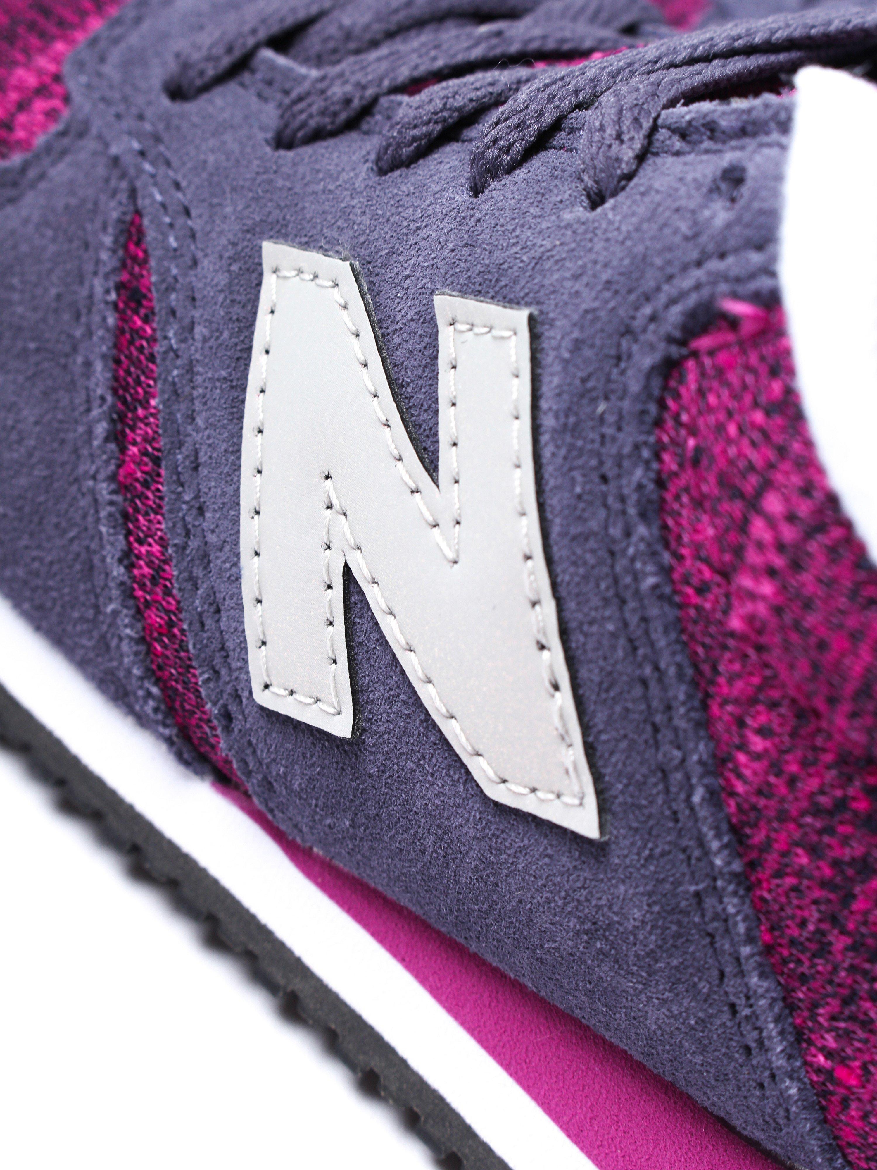 New Balance Women's 420 Low Top Trainers - Navy & Burgundy