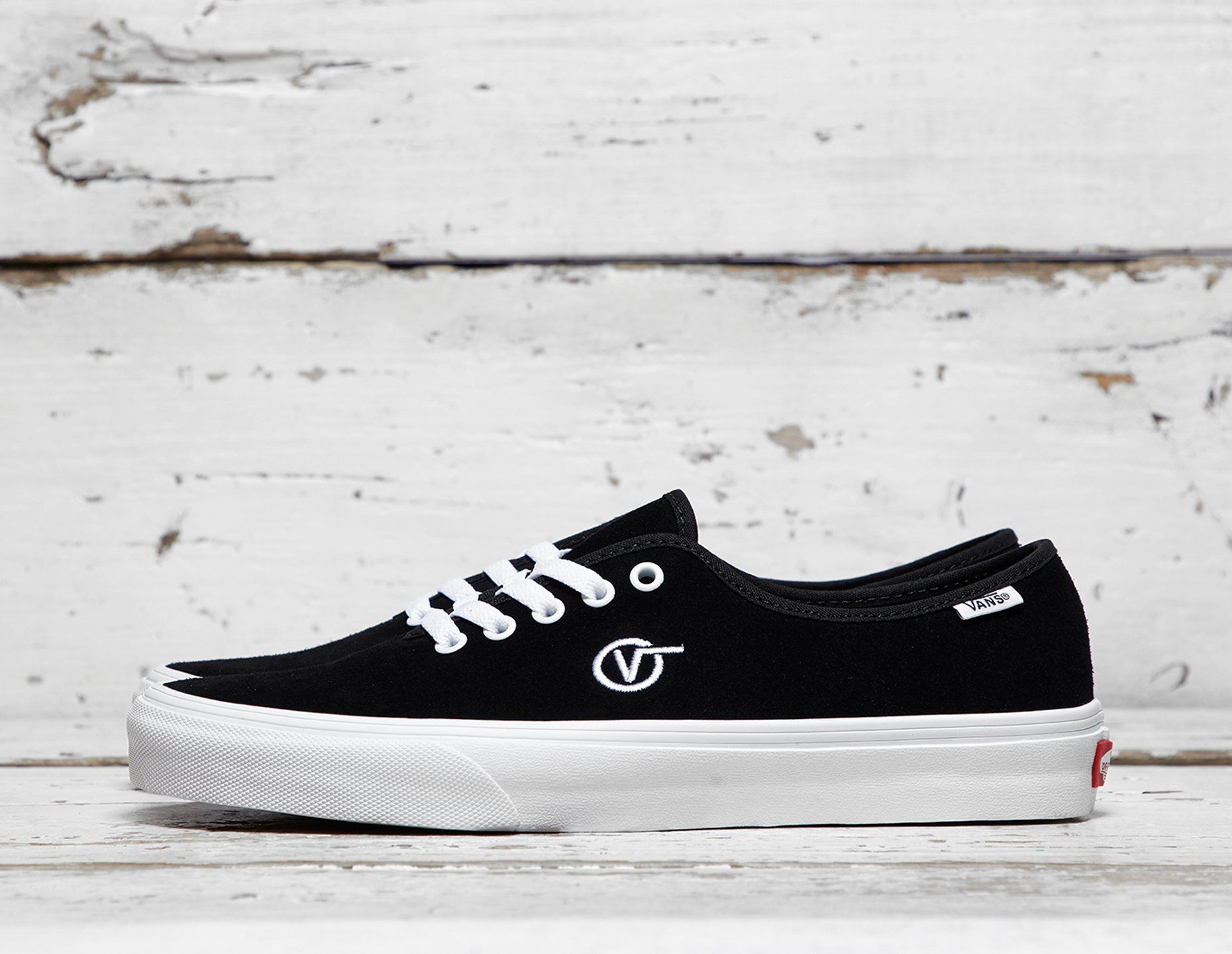 Vault by Vans Authentic One Piece Circle V  2539539463a0