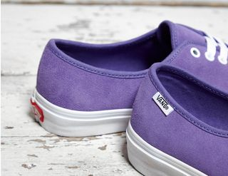 335ecfe77dd107 Vault by Vans Authentic One Piece Circle V