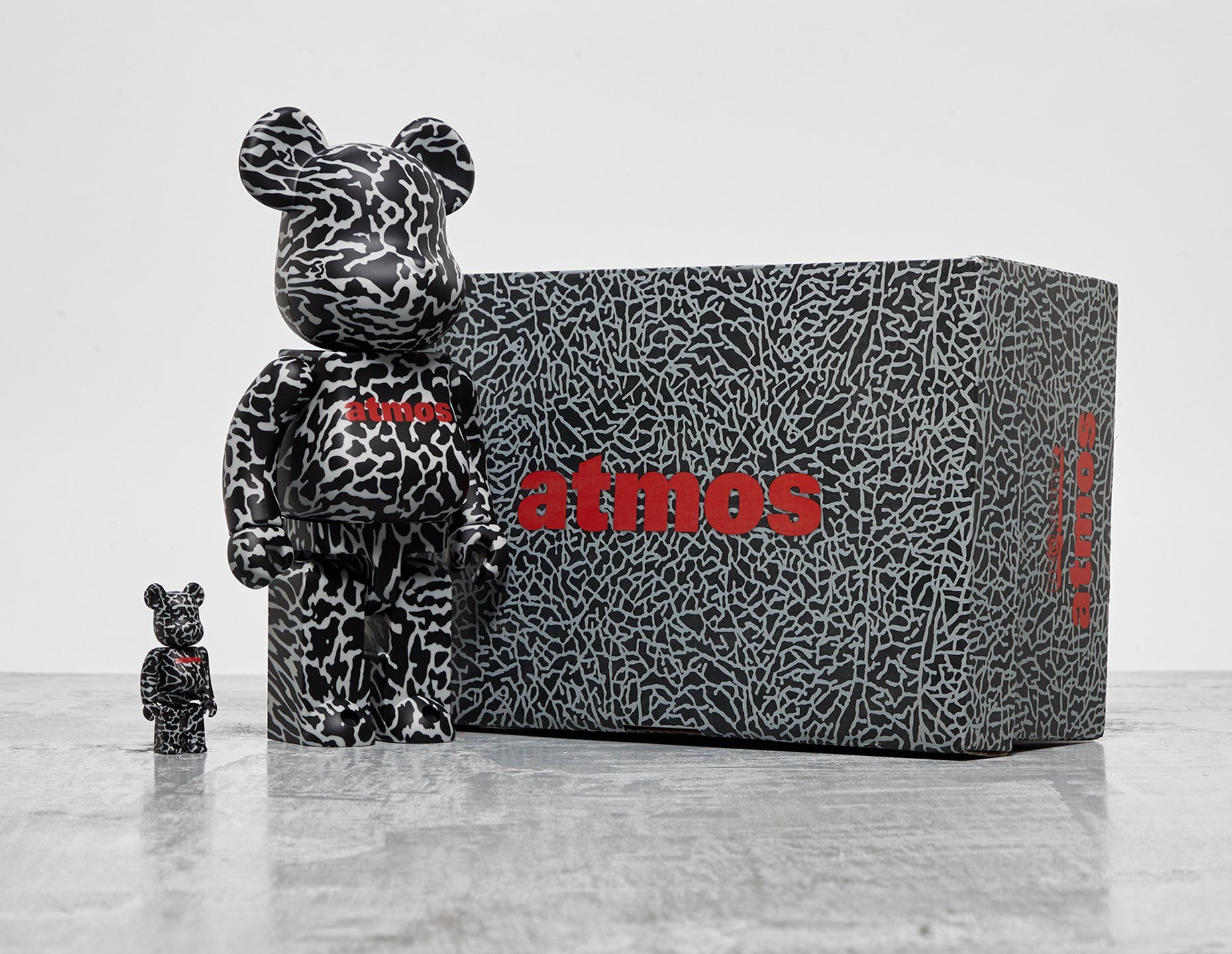 Medicom x atmos 'Elephant' Bearbrick 100% + 400%