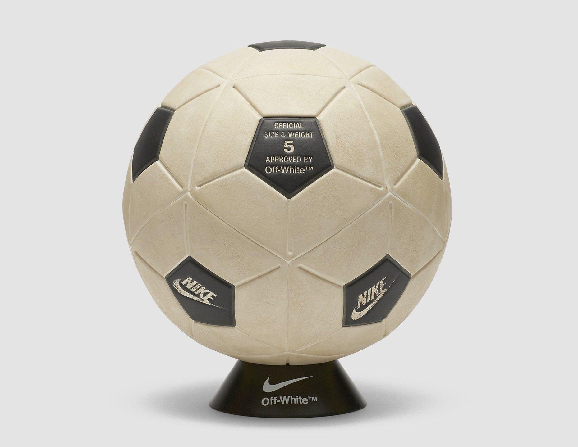 Nike !OW Magia Football