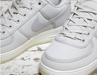 save off f1a2b 44ee4 Nike Nike Air Force 1 Low Retro QS Canvas