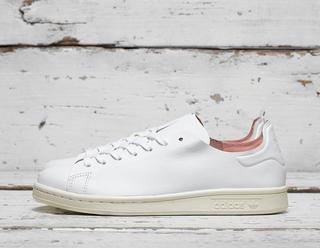 Stan Smith Nude