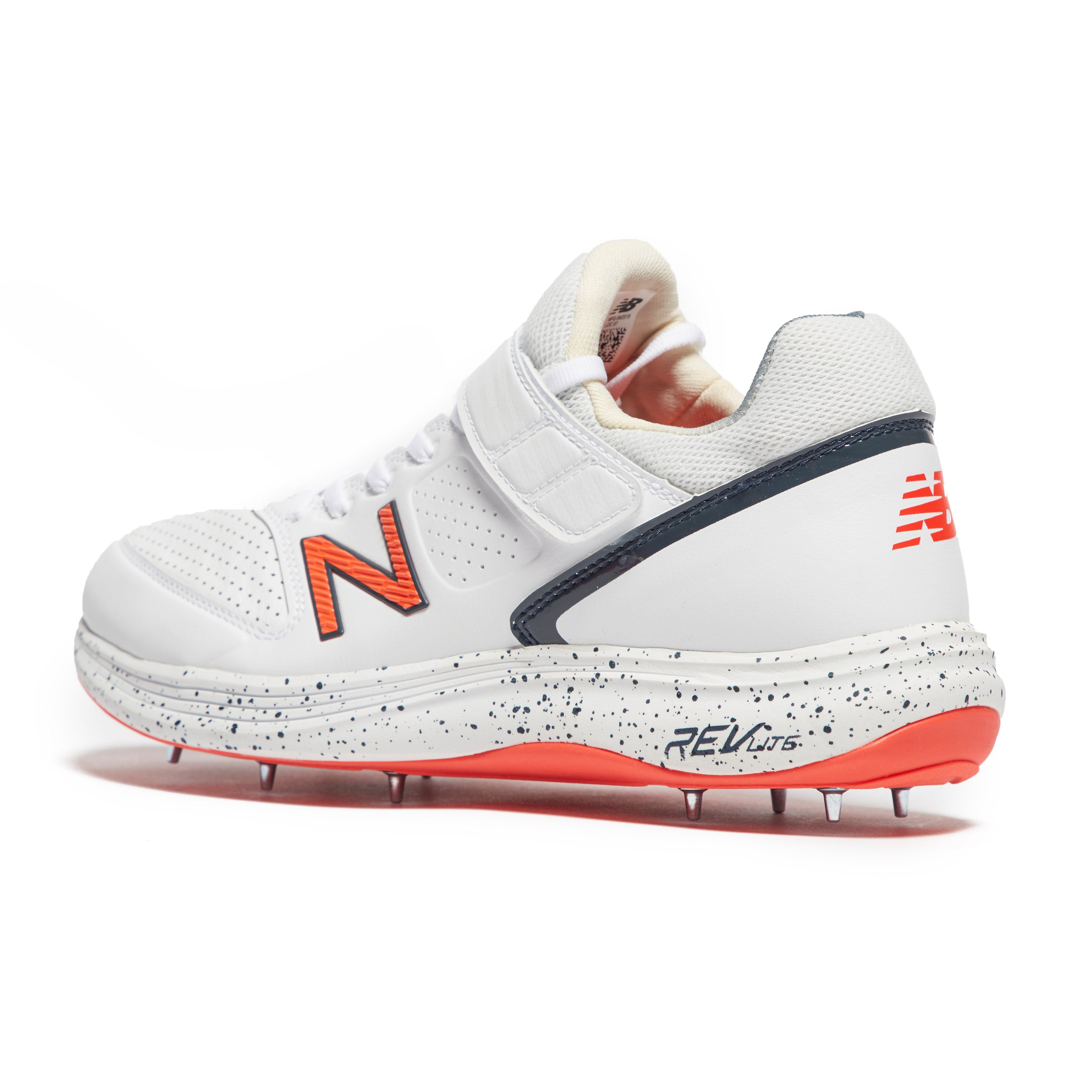 New Balance 4040 Men's Cricket Shoes