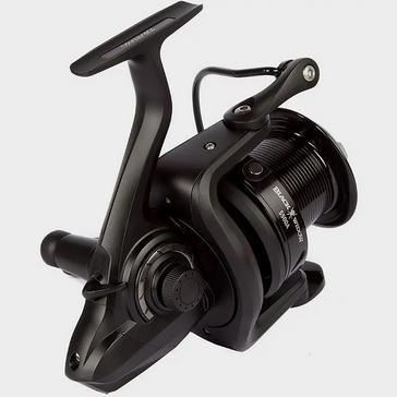 Black Daiwa Black Widow 5500A Reel