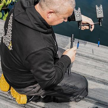 Black AVID Lok Down 2 Rod Buzz Pod 8in