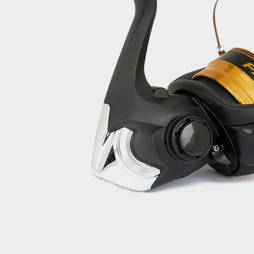 Black SHIMANO FX2000 FC Reel