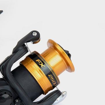 Black SHIMANO FX2500 HG FC Reel