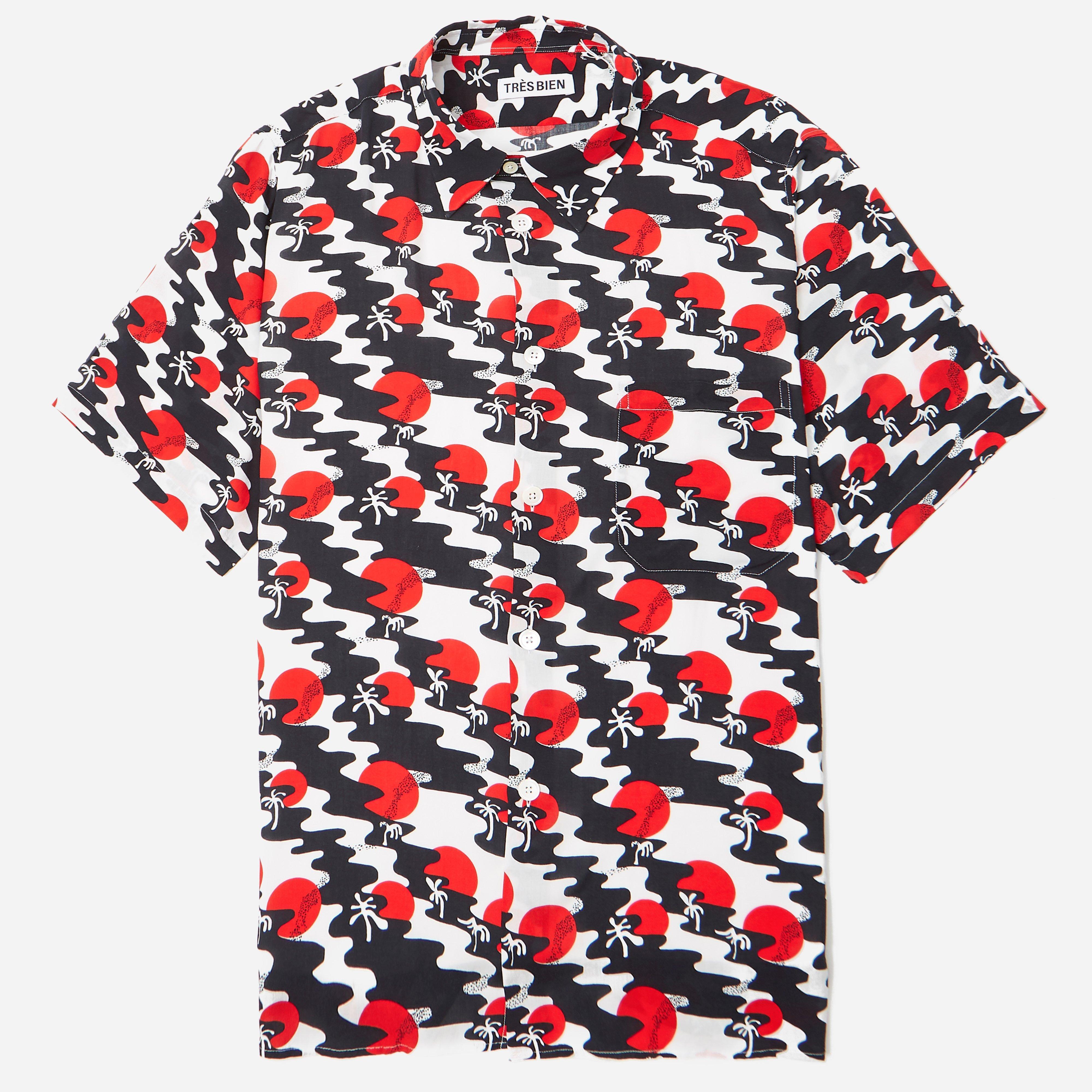Tres Bien Sunset Tourist Shirt