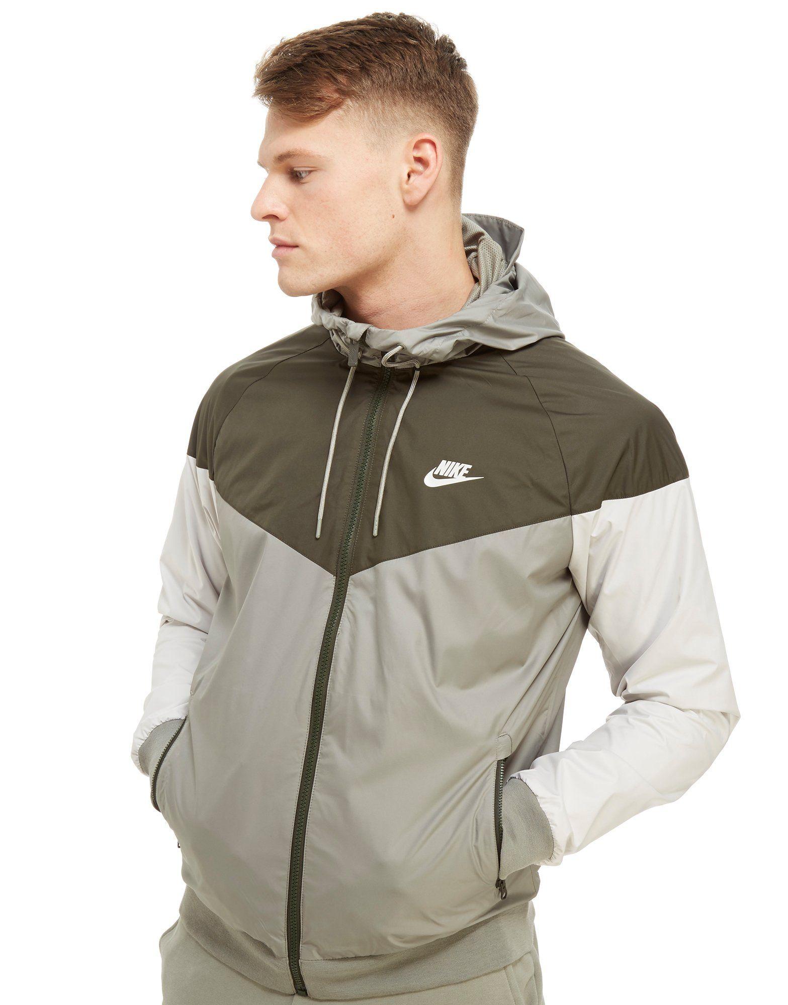 Nike Veste coupe-vent Lightweight Windrunner Homme -