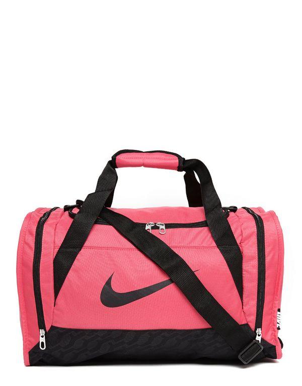 Ryanair Ruuma Laukku : Nike brasilia small duffle bag jd sports