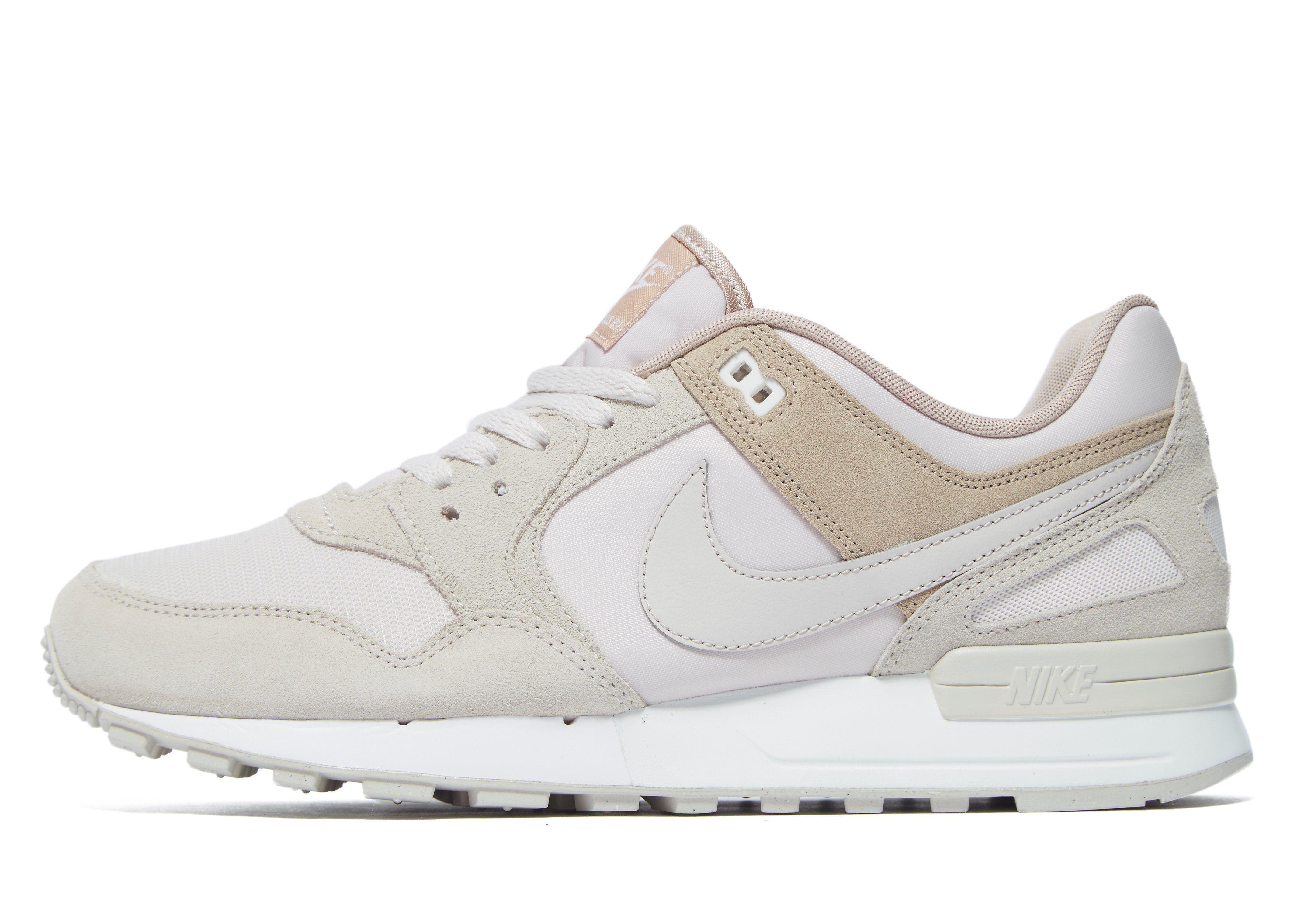 Nike Air Pegasus 89 beige