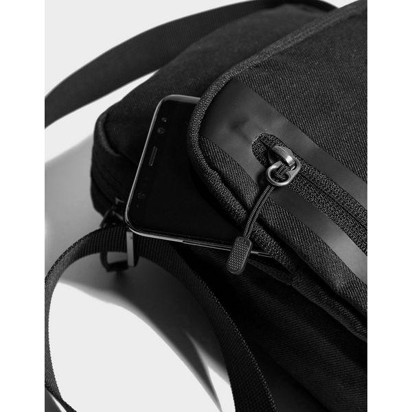 bc65bbe656 ... Nike Core Small Crossbody Bag ...