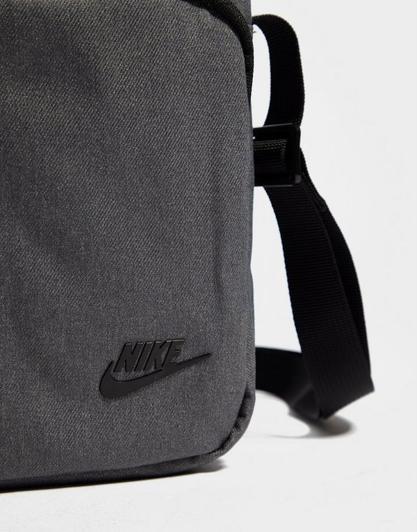 62c82f3359d Nike Core Small Crossbody Bag   JD Sports