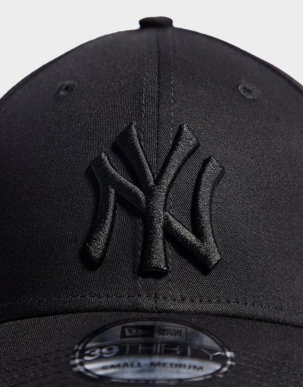 ebcf4b050d2 New Era MLB New York Yankees 39THIRTY Fitted Cap