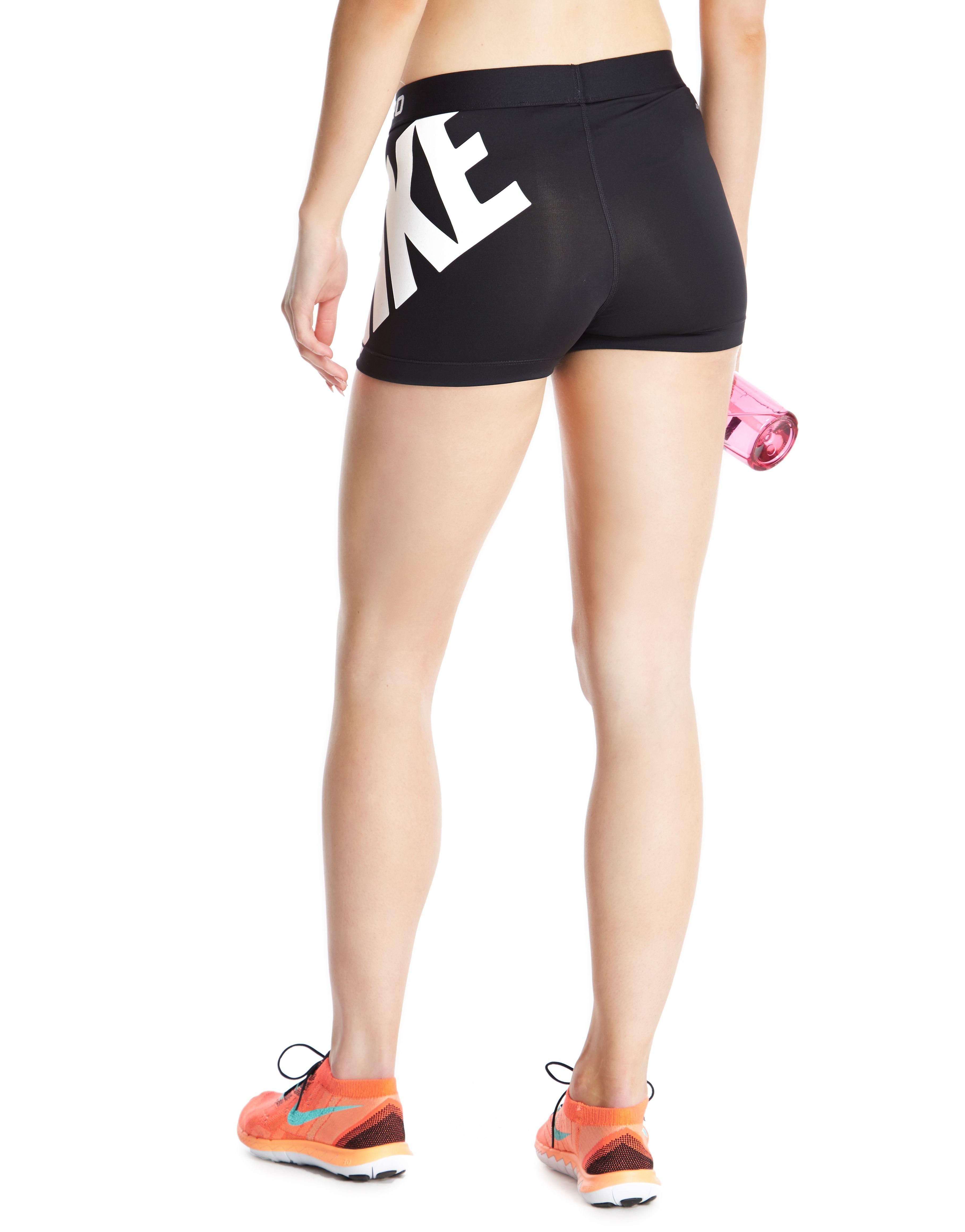 Nike Pro 7.5cm Logo Shorts