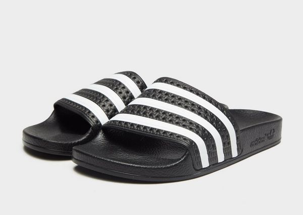 low priced 6a93b a8f14 adidas Originals Adilette Slides Dames