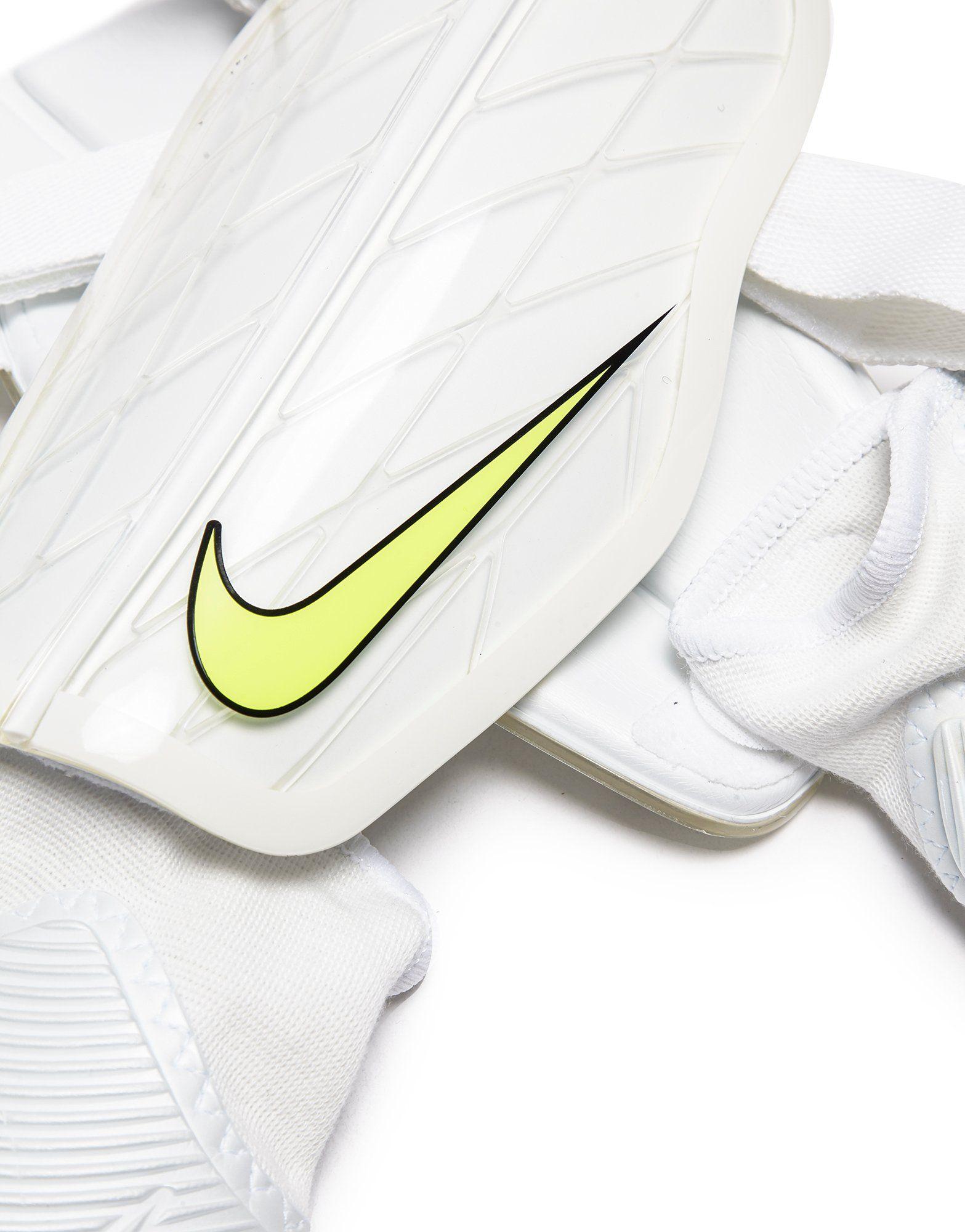 Nike Protegga Flex Shin Guards
