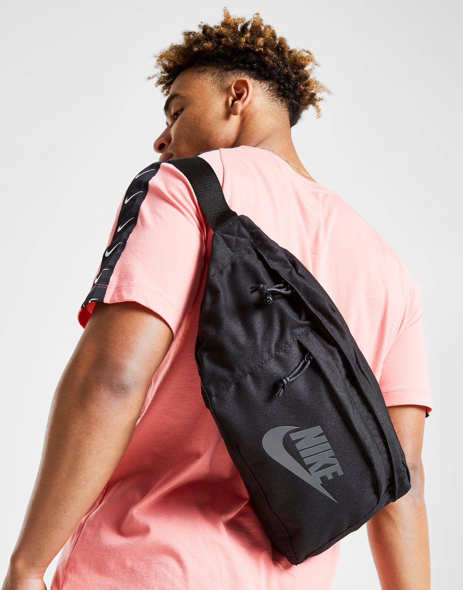 2c856c303738 Nike Tech Waist Bag